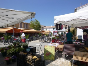 Lunch Time - Market Square, Les Portes